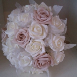 Foam ivory rose bouquet